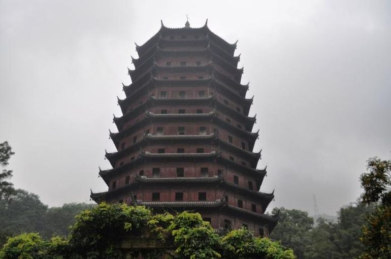Tallest_Man-Made_Buildings_Ancient_Yongning_Pagoda_2