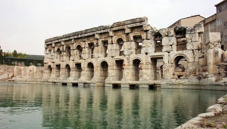 roman-basilica-therma-turkey-revived_1