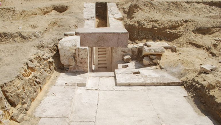 3700-year-ancient-pyramid-discovered-egypt_1