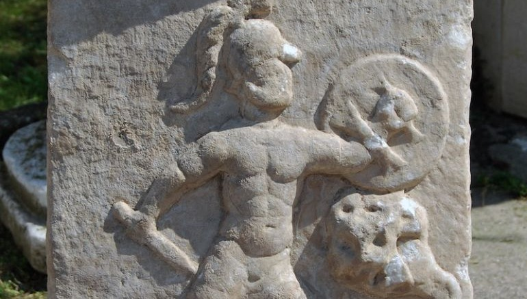 Ancient_Altar_Hercules_Son_Fighting_Hydra_2