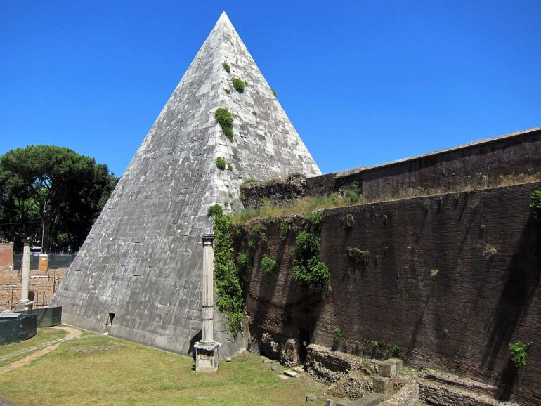 Pyramid_of_Cestius_Rome_3