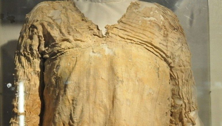Tarkhan_Dress_world_oldest_Egypt_1