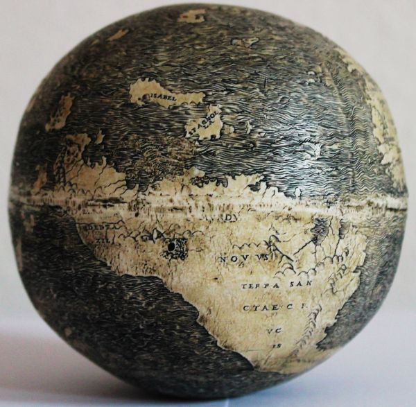 Ostrich_Egg_Globe_Oldest_New_World_2