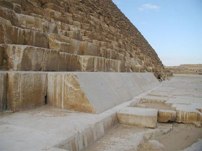 imprecise_great-pyramid-proves-accuracy_3