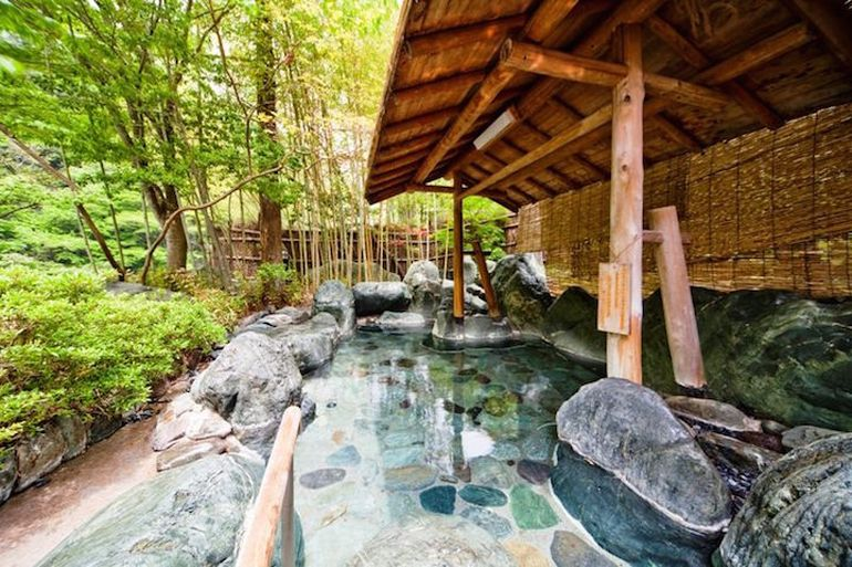 nishiyama-onsen-oldest-hotel-world-japan_3
