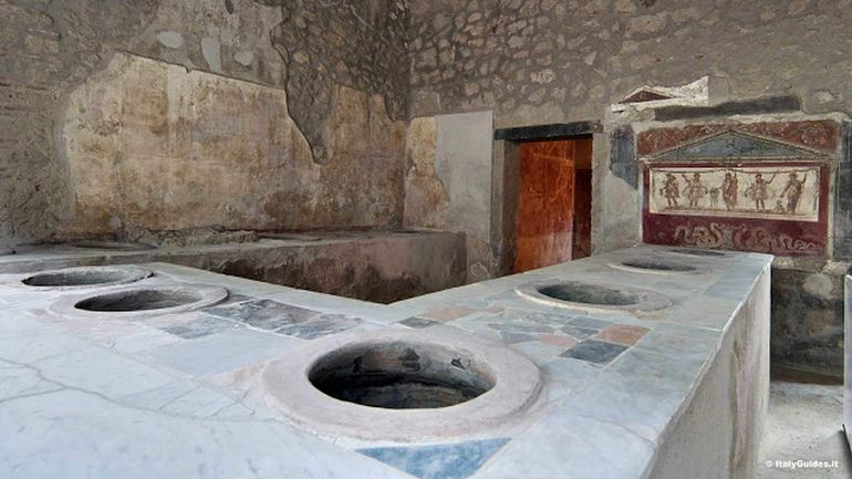 restored-pompeii-kitchens-roman-cooking_5