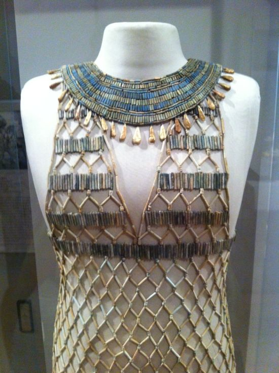 bead-net-dresses-ancient-egypt_3