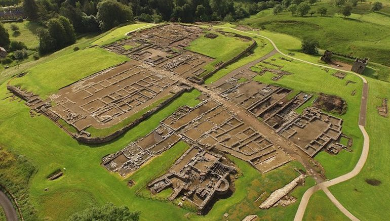 toys-swords-discoveries-roman-vindolanda_1