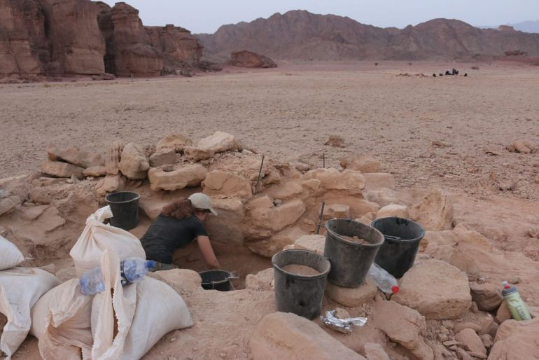 remains-pregnant-woman-timna-valley-mines_2