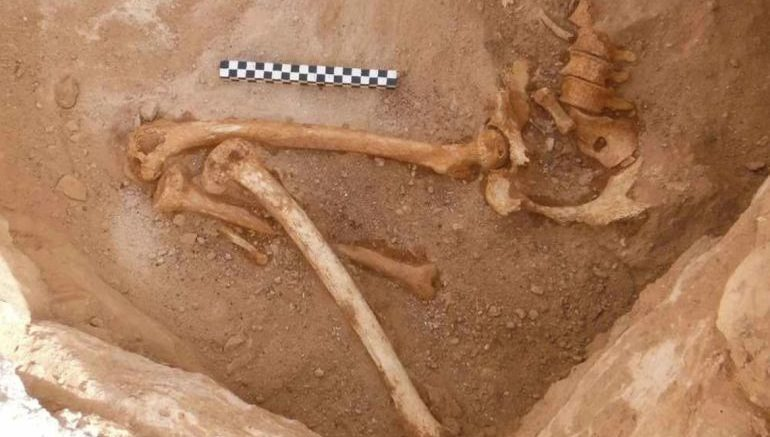 remains-pregnant-woman-timna-valley-mines_3