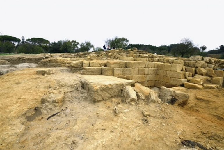valley-of-temples-akragas-theater_4