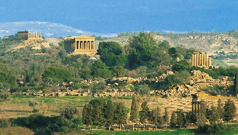 valley-of-temples-akragas-theater_9