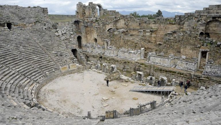 ancient-theater-perga-restoration_1