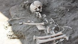8-year-old-child-skeleton-ancient-pompeii_1