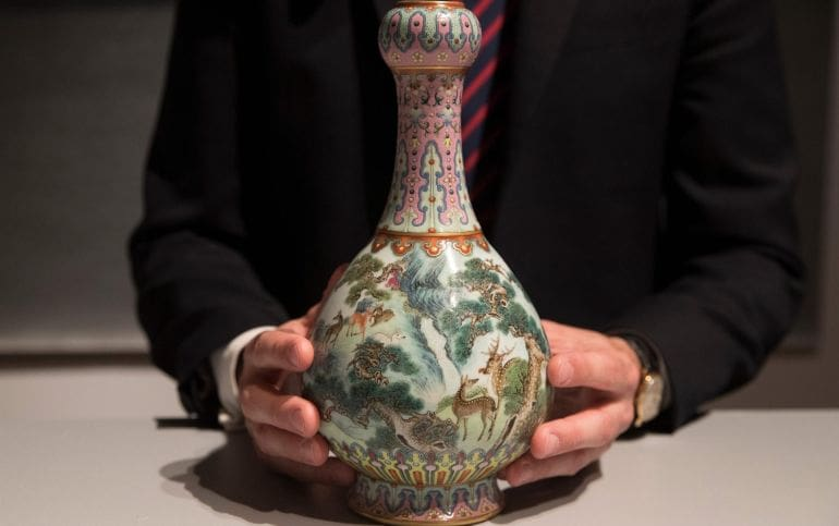 Chinese vase-auction-1